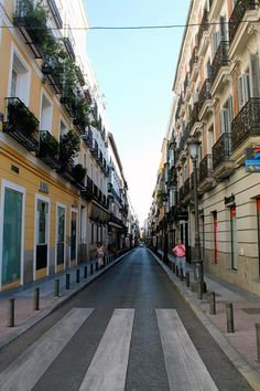 Madrid is considered one of the cleanest cities in Europe, here is a spotless street to prove it. Perspective Pictures, Costa, Madrid City, Travel Album, Cities In Europe, Most Beautiful Cities, Vacation Places, Granada, San Diego