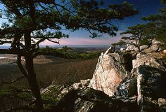 Beautiful photo of High Point on Bull Run Mountain. I've hiked to the top and taken in the scenic view. Photo Credit: Gary P. Fleming, Gary P. Fleming, Copyright 2003.