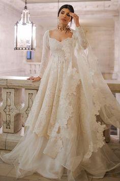 Indian Fashion Dresses, Pakistani Dresses Casual, Dresses Elegant, Indian Gowns Dresses, Indian Bridal Outfits, Indian Bridal Fashion, Dress Indian Style, Pakistani Bridal Dresses, Pakistani Dress Design