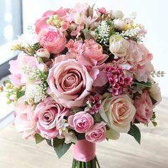 Inspiration for beautiful bouquet ? Summer Wedding Bouquets, Bride Bouquets, Flower Bouquet Wedding, Bridesmaid Bouquet, Floral Wedding, Wedding Colors, Flower Bouquets, Prom Flowers, Bridal Flowers