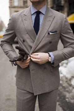 \\ grey lightweight flannel suit, blue & white pinstripe shirt, navy tie & white PS w/navy edging