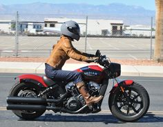 review 2018 indian scout bobber riding right 2 Indian Scout Custom, Small Motorcycles, Indian Motorcycles, Indian Bobber, Indian Motors, Bobber Motorcycle, Cafe Racer, Lady Biker, Sportbikes