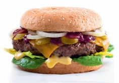 Dokonalý hamburger | Apetitonline.cz Thing 1, Meat Recipes, Barbecue, Toast, Pork, Food And Drink, Yummy Food, Beef, Meals