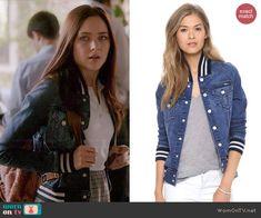 Brenna's denim bomber jacket on Chasing Life.  Outfit Details: http://wornontv.net/45523/ #ChasingLife