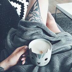 Cosy Sundays  -  @caro_freckle #coffeeandinkbible . . . . . #coffeeshots #coffeesesh #alternativebrewing #coffeelover #caffeineaddict #eyecandy #barista #baristalife #coffee #coffeeislife #butfirstcoffee #manmakecoffee #coffeelovers #baristadaily #coffeeporn #coffeebreak #inked #coffeeculture #ilovecoffee #coffeeholic #cotd #coffeeoftheday #coffeeaddiction #lovecoffee #cosy #inkedgirls #cat #girlswithink