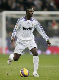 Mahamadou Diarra in Real Madrid v Real Zaragoza - La Liga 2008