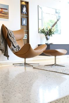Imola living room chair in beautiful leather
