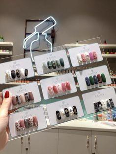 Nail Salon Design, Nail Salon Decor, Beauty Salon Decor, Korean Nail Art, Korean Nails, Xmas Nails, Bling Nails, Nail Salon Names, Nail Organization