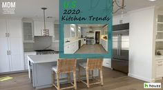 Houzz revealed 2020 kitchen trends survey with almost 2598 U.S homeowners. Find out the latest kitchen styles and features the homeowners are embracing. Dark Wood Kitchens, Brown Kitchens, Modern Farmhouse Kitchens, Farmhouse Kitchen Decor, Dark Brown Cabinets, Black Kitchen Cabinets, Red Kitchen, Hells Kitchen, Semarang
