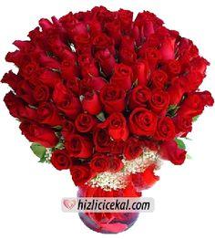 51 Gül Vazosu  Hızlı Çiçek Al ile sevdiklerinize aynı gün teslimat seçeneği ile 51 adet kırmızı güllerden hazırlanmış gül vazosu sipariş edin.  http://www.hizlicicekal.com/cicekler/cicekciler/cicek/109/51-gul-vazosu/
