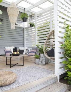 Incredible backyard patio garden privacy screen ideas (27)