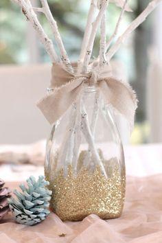 Décorer une table de Noël avec goût et à moindre coût, c'est possible. Pour preuve, cette table de Noël aux teintes pastel est facile à réaliser et est parfaite pour les petits budgets. Inspirez-vous-en et vos invités seront épatés !