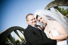 Fresh and Fun Manitoba Wedding Pictures by Tine Butler | Sash and Satin