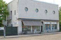 Tämän Rauman Osuuskaupan varasto-myymälän harjannostajaisia juhlittiin vuonna 1939. Finland
