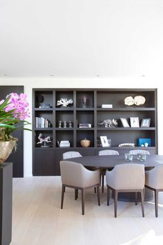Contemporary shelving, built in shelves, built ins, dining room design, apa Contemporary Shelving, Home And Living, Living Room, Muebles Living, Dining Room Design, Apartment Living, Interior Inspiration, Armoire, Home Furniture