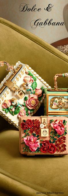 Absolutely love this peach white and teal Metallic box clutches C Dolce Gabbana Clutch with floral designs and an intertwined floral handle with mini gold padlock o. Dolce & Gabbana, Dolce And Gabbana Purses, Chanel, Women Accessories, Fashion Accessories, Wedding Accessories, Fashion Jewelry, Mode Style, Beautiful Bags