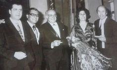 Από αριστερά: Γιώργος Τζαβέλας, Γιάννης Πετροπουλάκης, Αλέκος Σακελλάριος, Θανάσης Βέγγος με την σύζυγό του