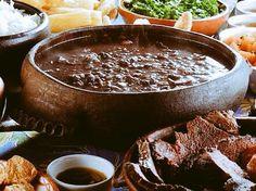 Vamos fazer a feijoada de sábado na panela de barro das paneleiro de Vitória/ES? Acesse loja online: www.lojasbibeli.com.br
