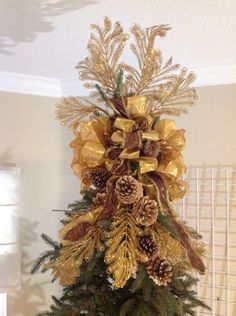 Christmas Tree Topper - Glamorous Golds!!! This would make a beautiful table centerpiece too