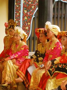 Traditional minang costumes - Hijab by country - Wikipedia, the free encyclopedia