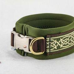 "Neopren-Halsband ""Golden Ornament"", braun  Ab: 34,90€ http://www.dog-smilla.de/produkt/neopren-halsband-golden-ornament-braun/"