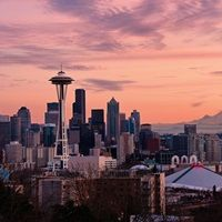 Sunset view of downtown Seattle and Mount Rainier in distance