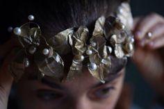 #Recogidos para #novias e invitadas. Elaboración de #tocados personalizados y adaptados al peinado y al vestido.  Foto de Belén de Benito.