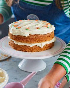 RECEPT // MOROTSTÅRTA - MOROTSKAKA // LEILA LINDHOLM Piece Of Cakes, Yummy Drinks, Vanilla Cake, Tart, Fries, Cheesecake, Food And Drink, Pizza, Easter