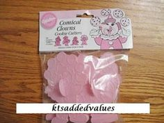 Wilton Playful Clowns Cookie Cutters 1990 : KTs Added Values, Collectibles Home and Kitchen Decor