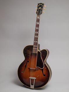 1948 Gibson L-7 Premiere in very good condition. The L-7P was only around for a short while being introduced in 1948 and replaced a few years later by the L-7C.