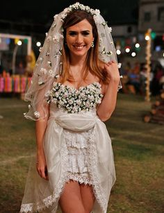 Junina Party Outfit – 21 Enthusiastic & Step-by-Step Models DIY! – Fashion Tips Party Skirt, Love Fashion, Fashion Tips, Travel Fashion, Party Looks, Girls Shopping, Lace Skirt, Flower Girl Dresses, Costumes
