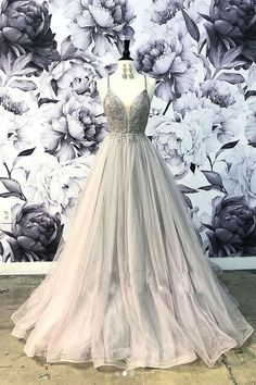 Kleider Unique sweetheart tulle lace long prom dress, tulle evening dress Bunk Beds For Your New Pla Grey Evening Dresses, Grey Prom Dress, Open Back Prom Dresses, Tulle Prom Dress, Wedding Party Dresses, Lace Dress, Sexy Dresses, Tulle Lace, Elegant Dresses