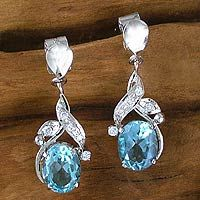 Dazzling Dew from @NOVICA, They help #artisans succeed worldwide.