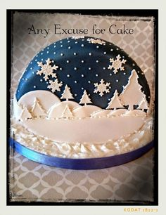 This is the other half to the cake I posted. Another snow globe effect. This time it is a dark starry night scene. Christmas Cookies Kids, Christmas Cake Designs, Christmas Cake Decorations, Holiday Cakes, Christmas Baking, Christmas Cakes, Hannukah Cookies, Xmas Cakes, Half Christmas