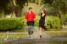 LSU Engagement Photos in the Rain   Engagement Photography {Baton Rouge}