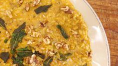 A belly-warming risotto-Winter-Spiced Butternut Risotto with Sausage, Sage and Walnuts Risotto Dishes, Risotto Recipes, Pasta Recipes, Food Dishes, Main Dishes, Rice Dishes, Gourmet Appetizers, Butternut Squash Risotto, Pasta Sides
