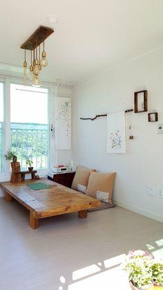 무명가리개 10셋트추가준비햇어요 : 네이버 블로그 Japanese Living Rooms, Japanese Home Decor, Japanese Interior, Interior Exterior, Room Interior, Interior Design Living Room, Living Room Windows, Living Room Decor, Studio Apartment Decorating