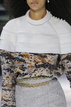 Défilé Louis Vuitton prêt-à-porter femme automne-hiver 2018-2019 Femme
