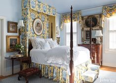 blue-yellow-toile-canopy-tester-bed-porthault-linens-couers-hearts-traditional-bedroom Marsha Mason, Blue Teen Girl Bedroom, Bedroom Decor For Teen Girls, Teen Girl Bedrooms, Blue Gray Bedroom, Beautiful Bedrooms, Nice Bedrooms, Country Bedrooms, Beautiful Beds