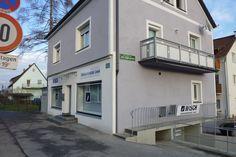 Filiale Nr. 141, Harter Straße 149: klassisches Geschäftsensemble - eine Türe, zwei Auslagen Mansions, House Styles, Home Decor, Display, Graz, Decoration Home, Manor Houses, Room Decor, Villas