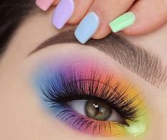 Beautiful Makeup Artist Tips For Colorful, Glittering And Dark Eyeshadow - Page . - Beautiful Makeup Artist Tips For Colorful, Glittering And Dark Eyeshadow – Page 4 of 6 – make - Makeup Eye Looks, Eye Makeup Art, Smokey Eye Makeup, Beauty Makeup, Eyebrow Makeup, Movie Makeup, Fun Makeup, Dark Makeup, Girls Makeup