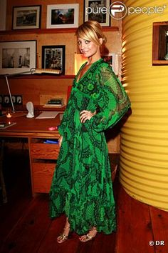 Nicole Richie dans l'une de ses pièces favorites, une robe verte Thea Porter vintage