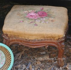 "❥ love this stool~ Chateau De Fleurs: Fall Designs for Our TVM ""Rustic Romance"" themed Show! Vintage Shabby Chic, Shabby Chic Decor, Vintage Decor, Rustic Decor, Vintage Ideas, Vintage Stuff, Shabby Cottage, Shabby Chic Homes, Cottage Chic"