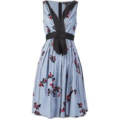 Marc Jacobs floral gingham dress ($1,020) ❤ liked on Polyvore featuring dresses, blue, flare dress, floral print dress, blue floral dresses, gingham dresses and blue pleated dress