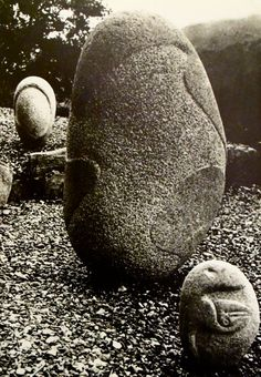 Max Ernst, Stone sculptures, 1935