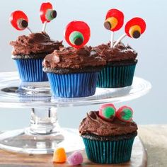 Devil's Food Cupcakes with Chocolaty Frosting Recipe - Note:  Frosting looks fantastic