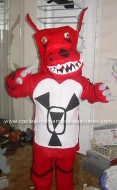 Homemade Guilmon Anime Costume: My son LOVES Digimon and really wanted to be Guilmon last year. I don't think he understands that my sewing skills are basic (at best! Anime Costumes, Boy Costumes, Homemade Costumes, Son Love, I Love Anime, Digimon, Anime Cosplay, Sewing, Fun
