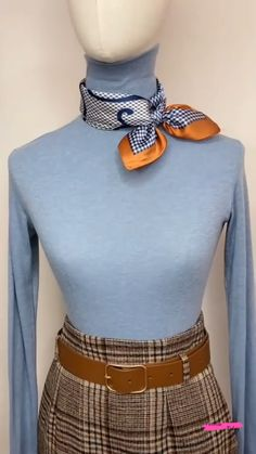 Ways To Tie Scarves, Ways To Wear A Scarf, How To Wear Scarves, Square Scarf How To Wear A, Square Scarf Tying, Scarf Wearing Styles, Head Scarf Styles, Mode Outfits, Fashion Outfits