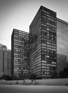 Lake Shore Drive Apartments Chicago, Illinois Mies van der Rohe, Arch. 1948-1951