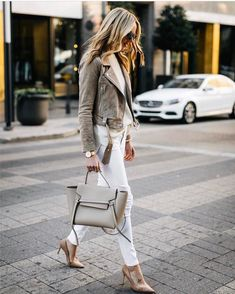 Belt tote Céline in Dallas fashion_jackson  _______  #vogue #lady #outfitoftheday #lookoftheday…